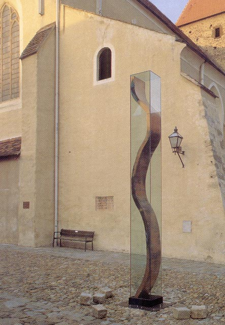 manfred wakolbinger, work of art in minoritenplatz in krems-stein<br />